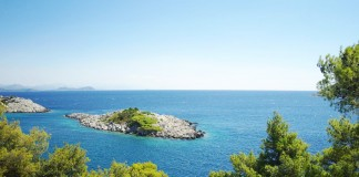 there is 223 Islands in Dubrovnik area - go dubrovnik