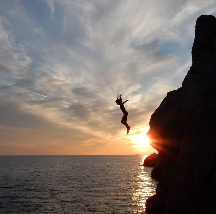 go dubrovnik sunset beach