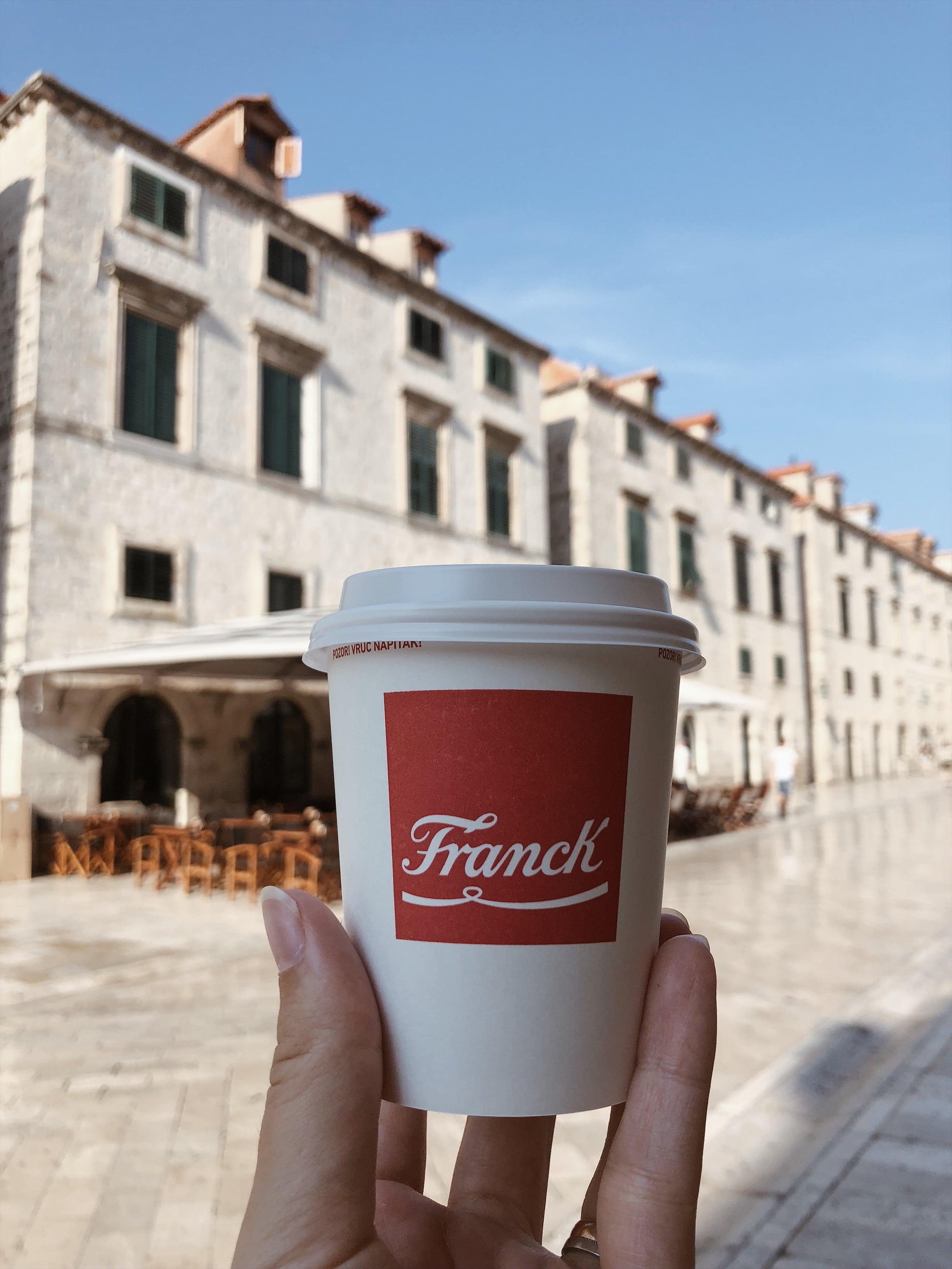 kava u gradu