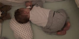 beba u kreveticu