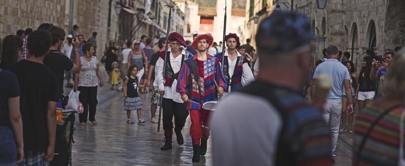 Dario Bandur photo photography Dubrovnik GoDubrovnik people street