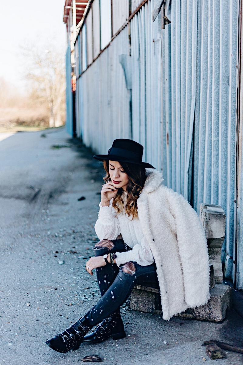 Petra Skitnica GoDubrovnik Instagram Influencer Petra Skitnica Travel Blogger style