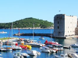 dubrovnik old port go dubrovnik croatia