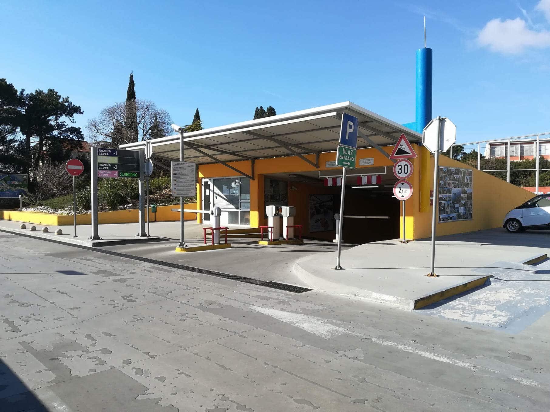 dubrovnik city garage