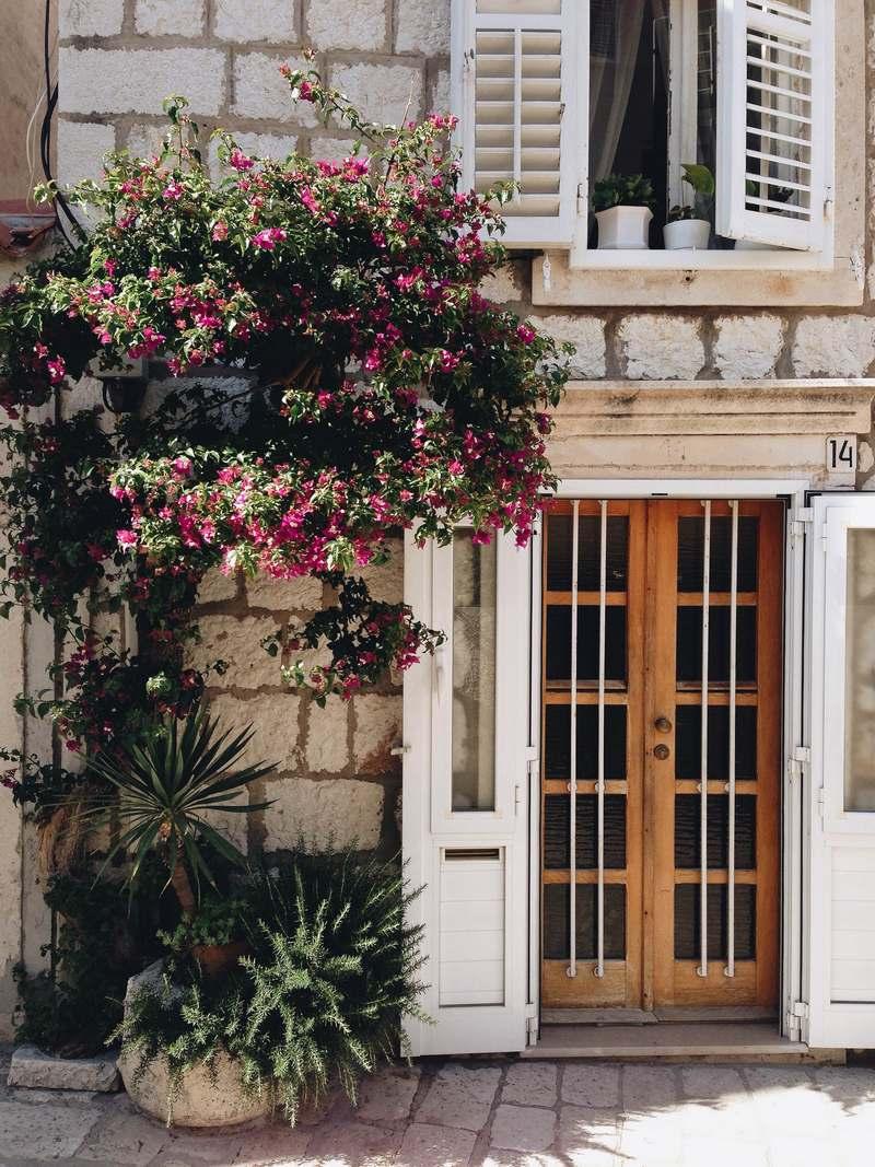 Josipa Dragun Biology Instagram travel Dubrovnik GoDubrovnik details Korcula life island