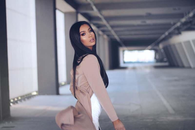 Jelena Peric Kim Kardashian lookalike make up artist Croatia