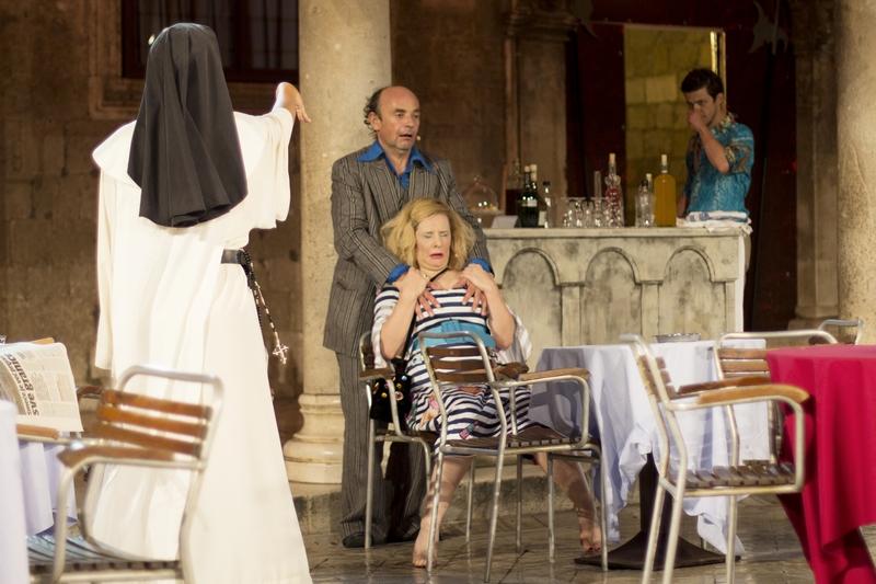 La Bottega de Caffe art Dubrovnik Summer Festival Dubrovnik GoDubrovnik blogger Roza Zanini scene