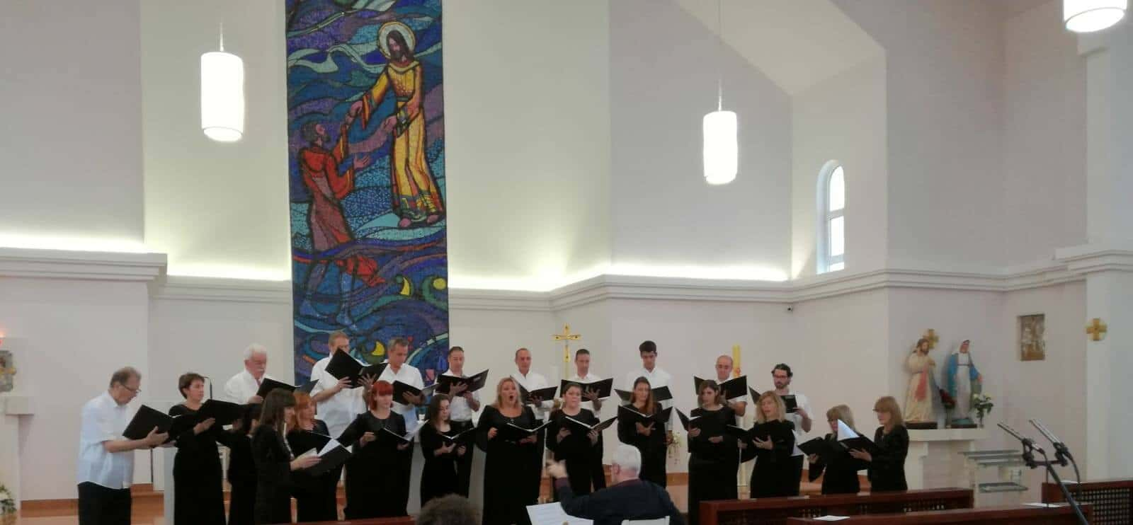 dubrovacki komorni zbor u omisu