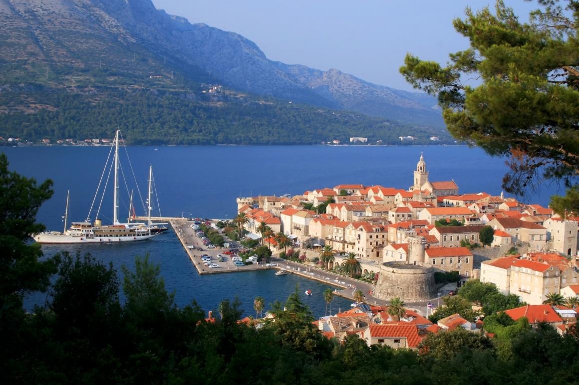 korcula-a-lovely-isolation-near-dubrovnik-korcula-island-and-the-city-croatia