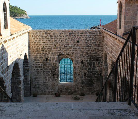 lazareti second hand sale Dubrovnik charity Godubrovnik
