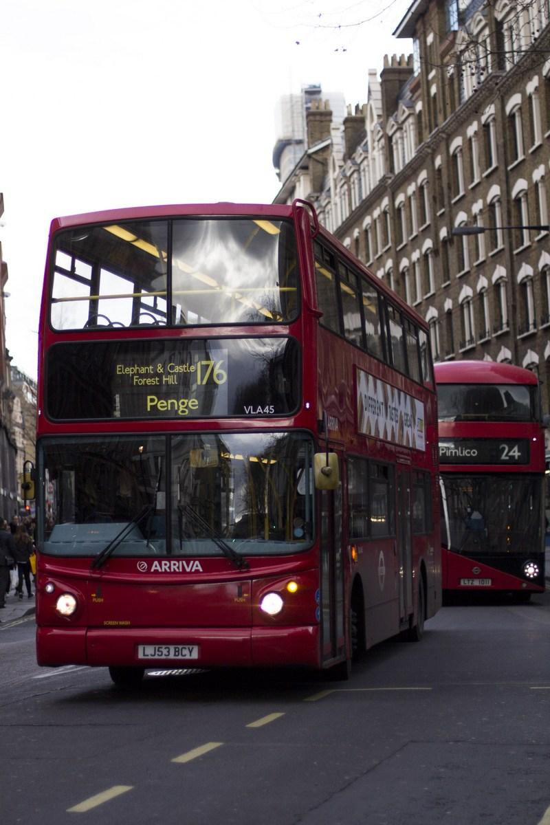 bus public transport public dubrovnik london