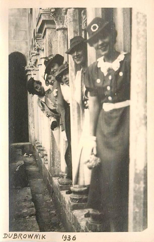 girls dubrovnik vintage woman