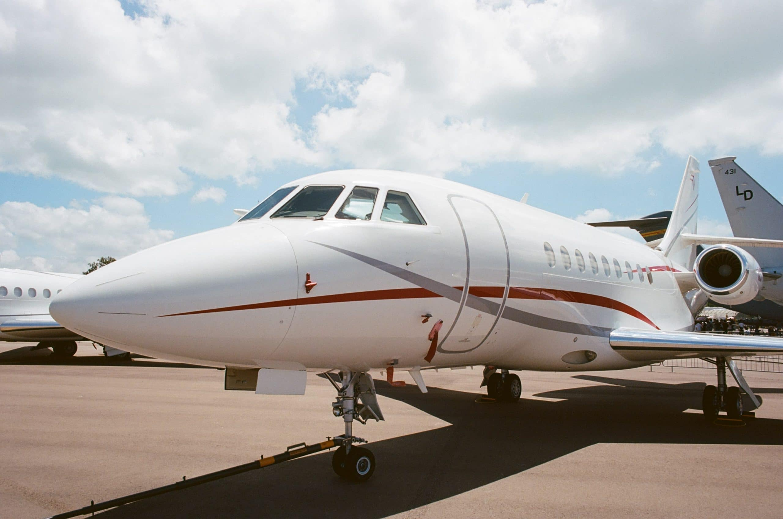 fly private jet