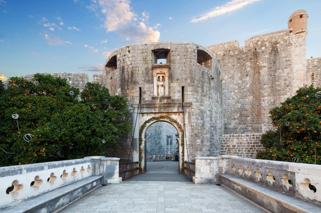 Dubrovnik Legends Three Head Legend