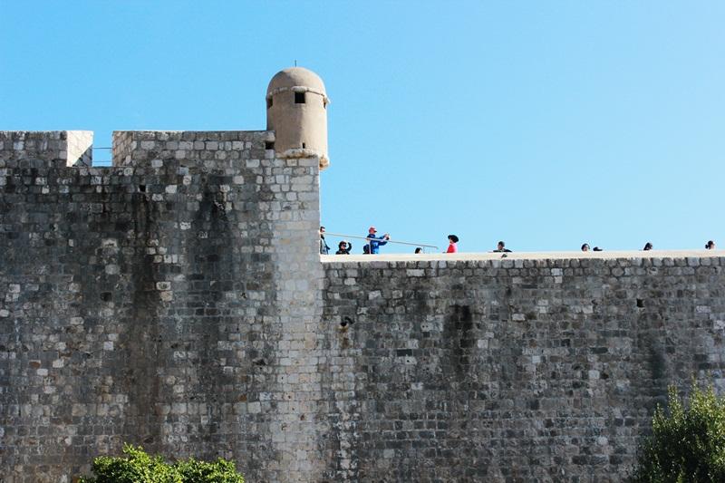 Dubrovnik Legends Three Head Legend Dubrovnik Pile City Gate