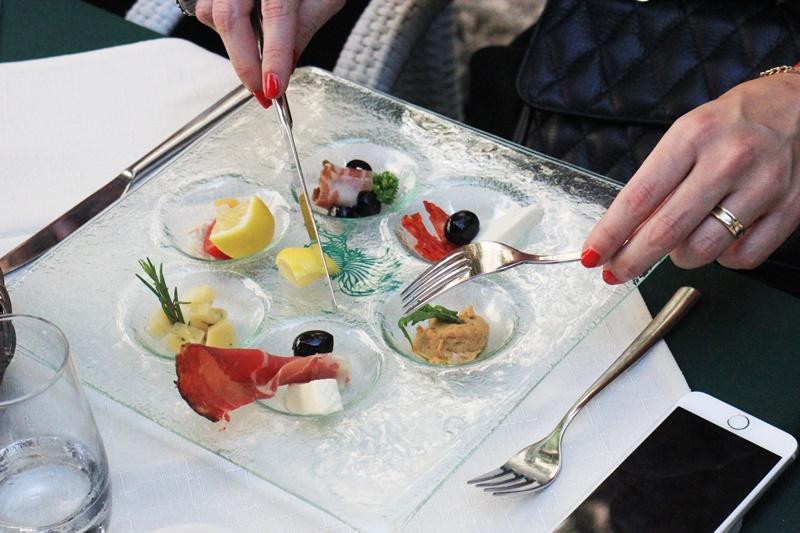 restaurant Sights Bites food tour Dubrovnik gastro salt oil