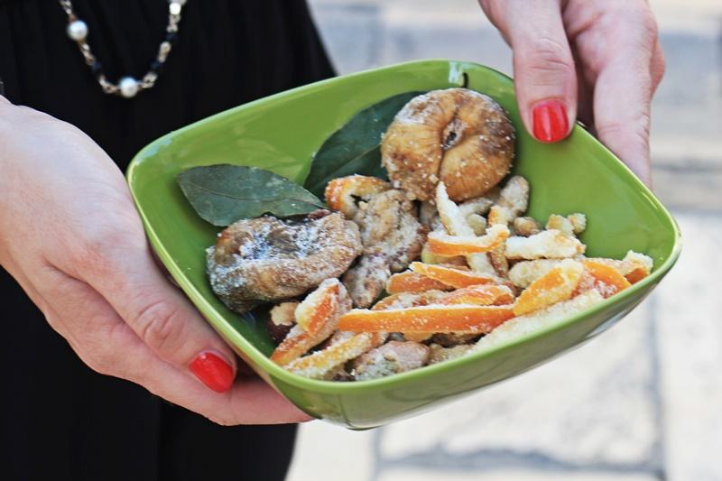 Sights Bites food tour Dubrovnik gastro salt oil market