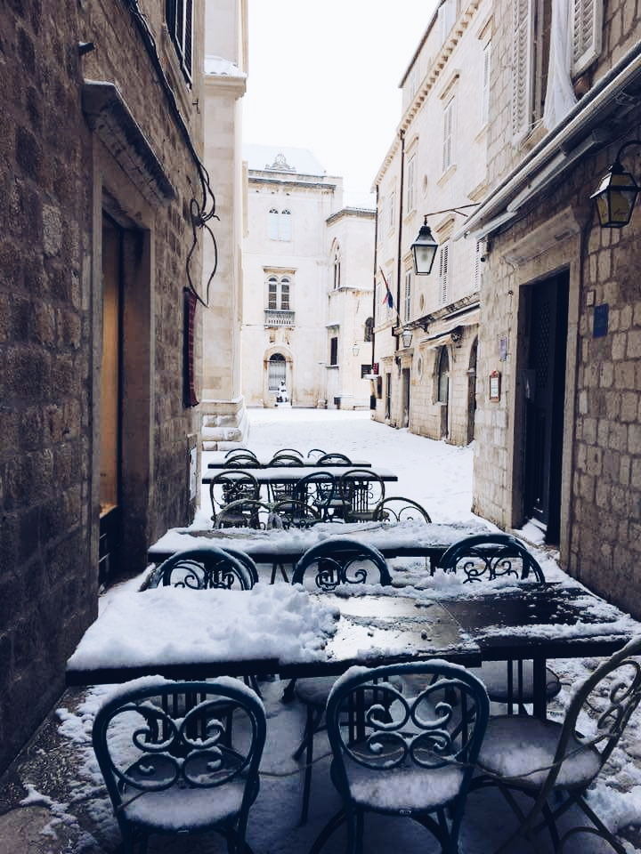 gate dubrovnik winter snow