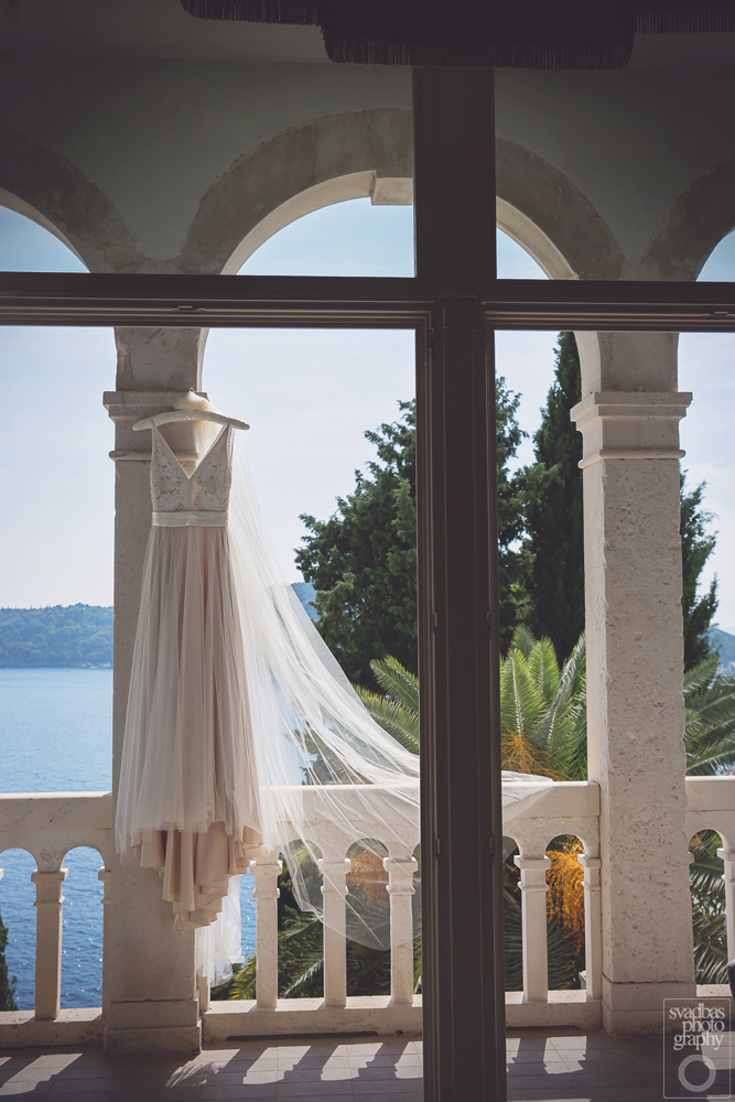 Wedding dress Dubrovnik Destination Weddings Planner Dubrovnik Weddings emotions